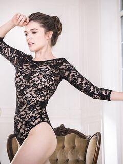 Голая красавица показала очень красивое тело - фото